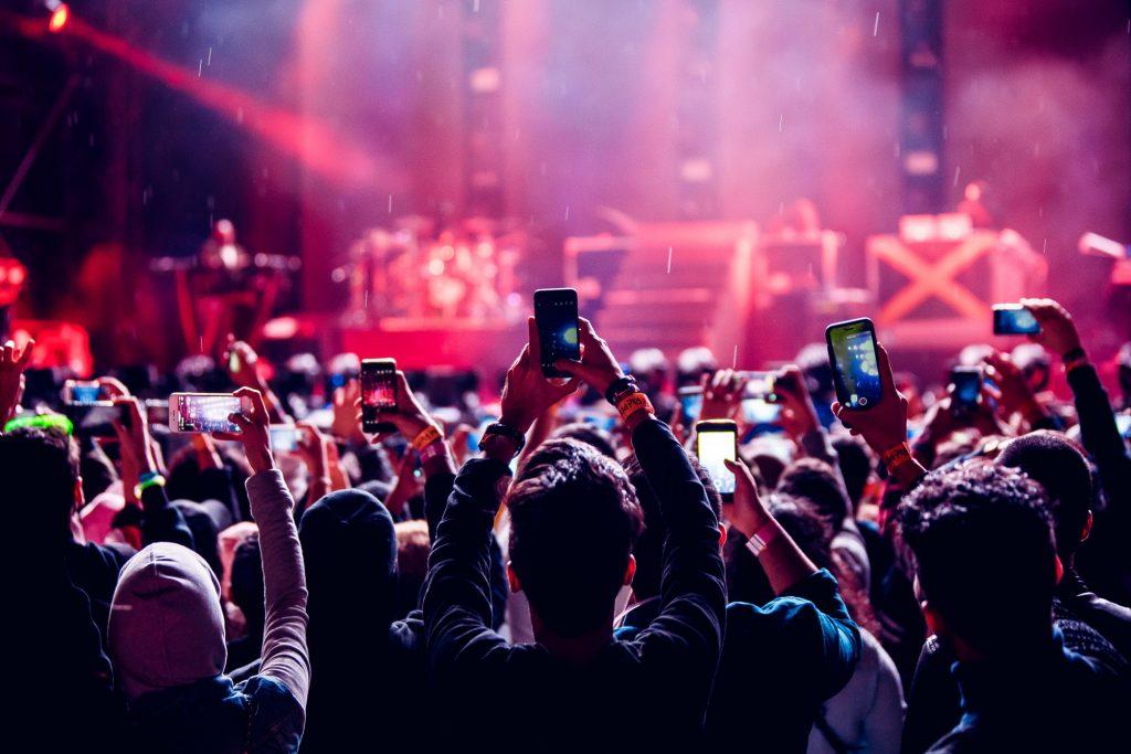 Crowd device usage
